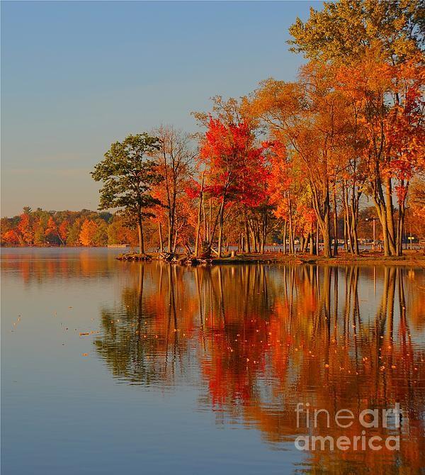 ✮ Autumn Reflection