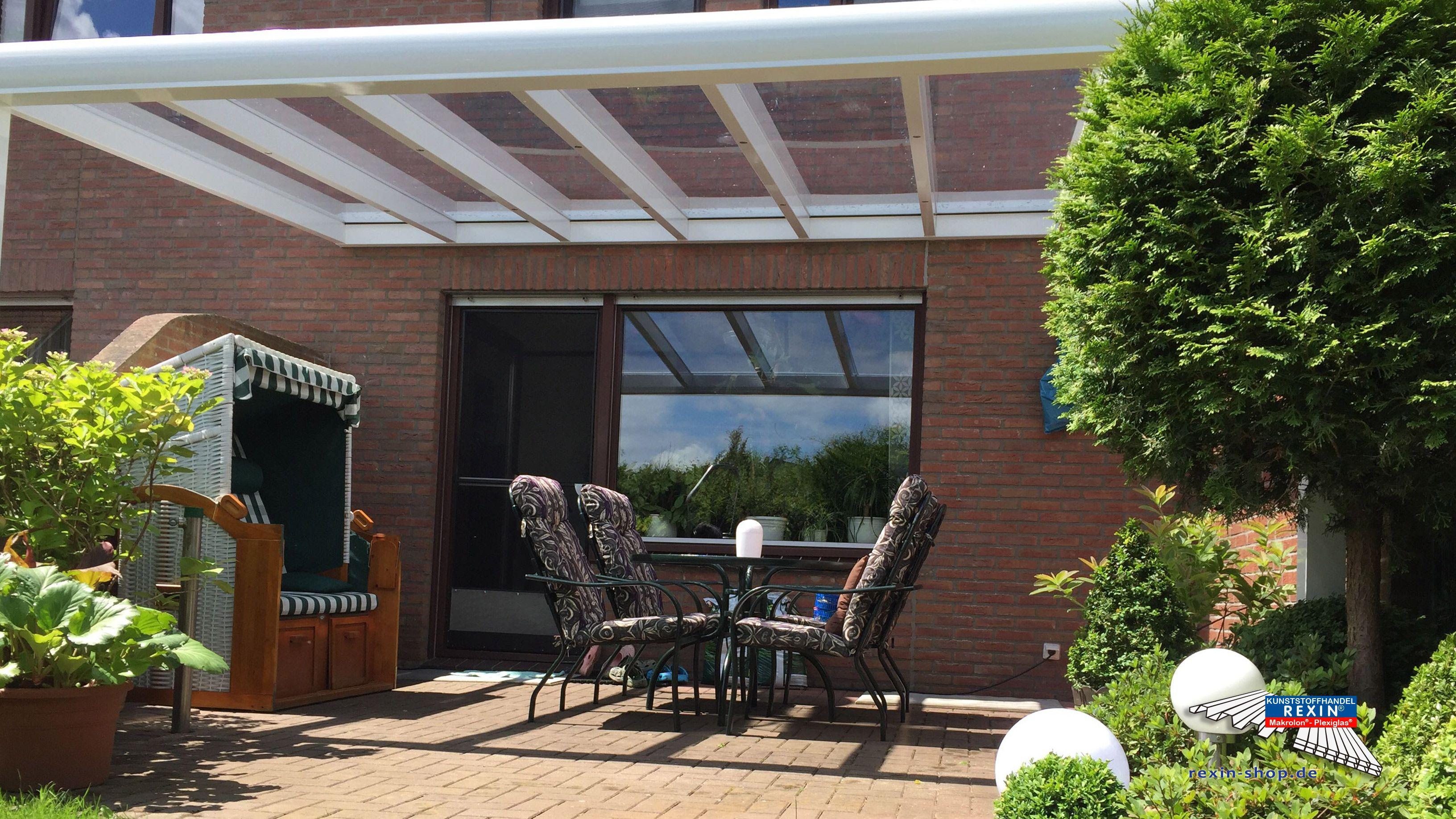 Elegant Ein Alu Terrassendach der Marke REXOpremium Titan mit massiven Makrolonplatten m x m in wei