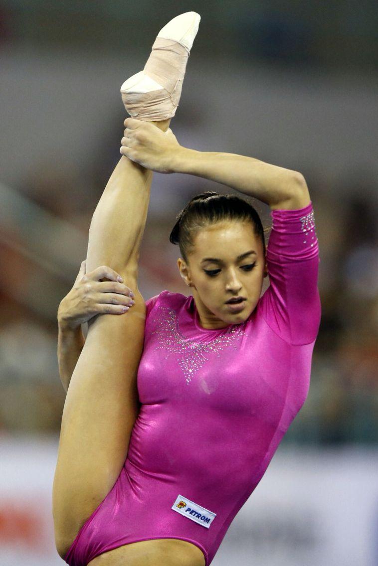 Horny gymnast — img 6