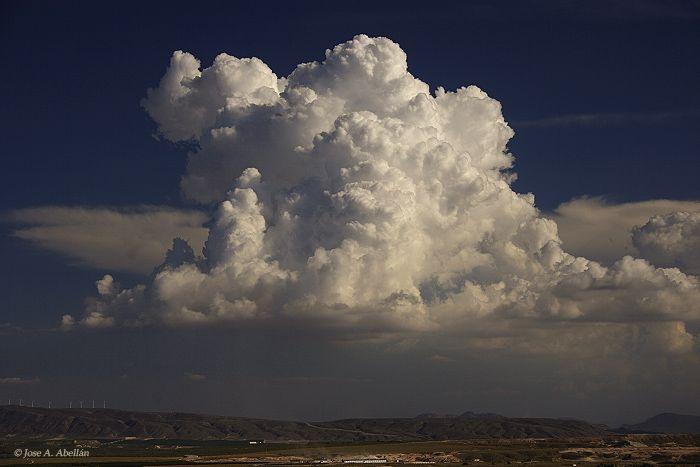 Cumulonimbus Calvus