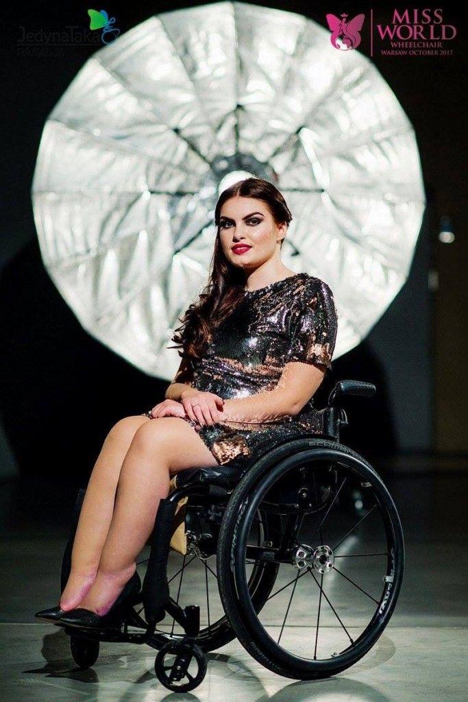 klip promuj cy miss world wheelchair butterfly agency models etc pinterest models. Black Bedroom Furniture Sets. Home Design Ideas