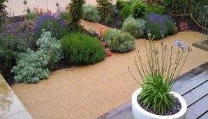 small-cottage-garden