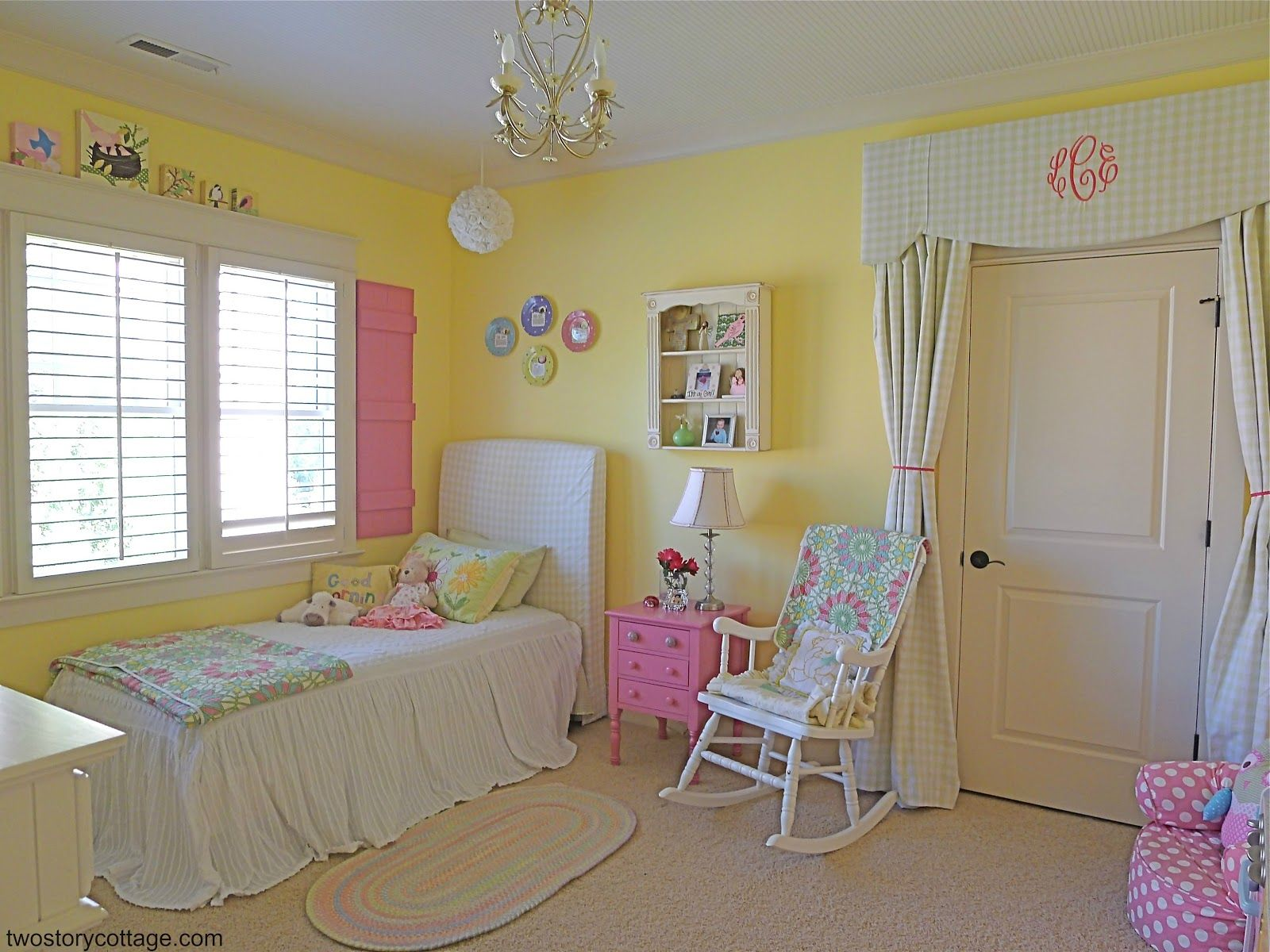 Pink And Green Girls Bedroom Love The Curtain Over The Door Sweet Eclectic Little Girl