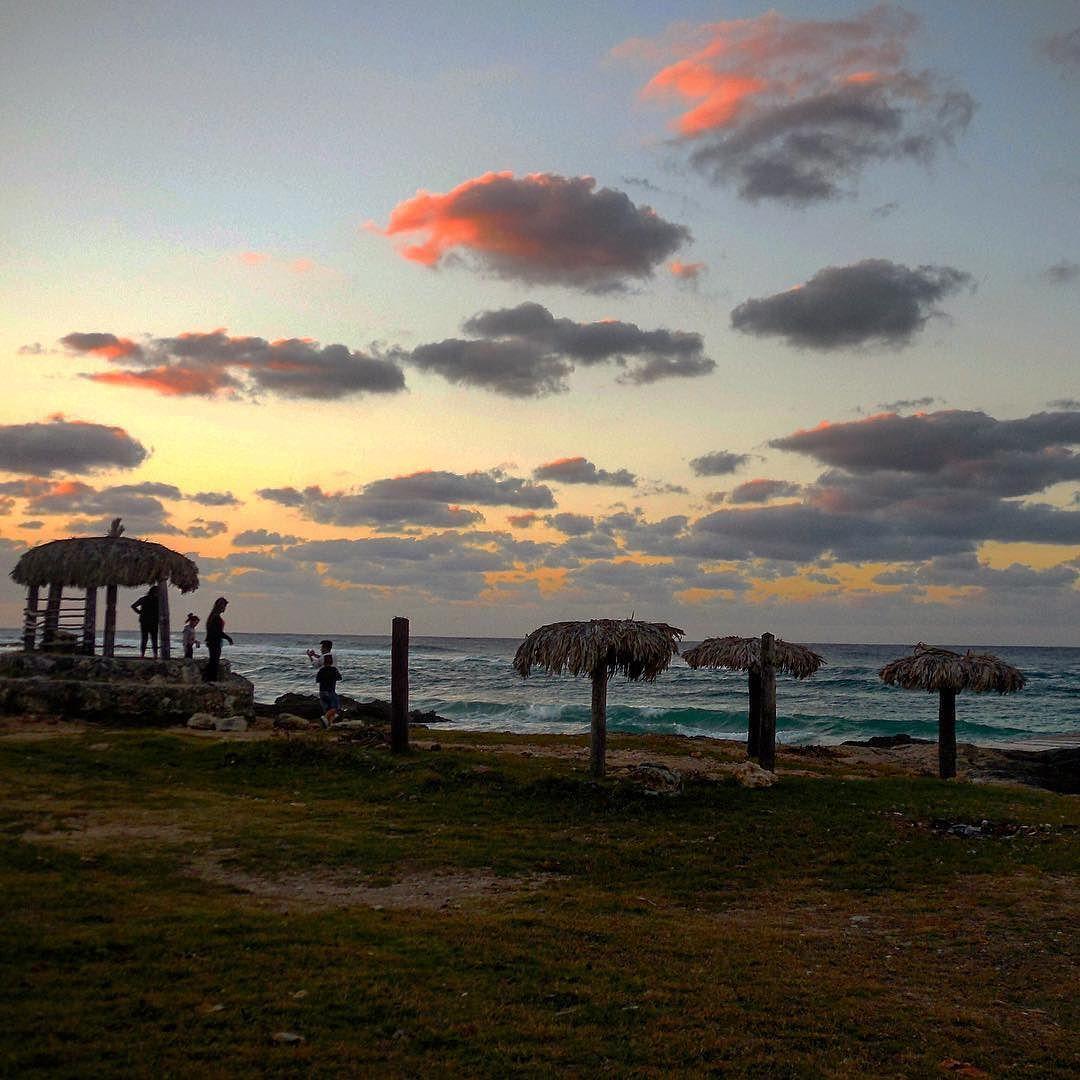 Atardecer En La Playa De Caimito El Salao Havana Habana Cuba