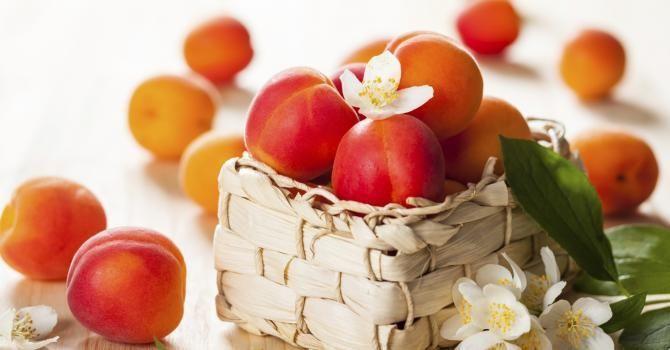 Abricot:49 calories/100 gr. - Fruit le moins calorique..