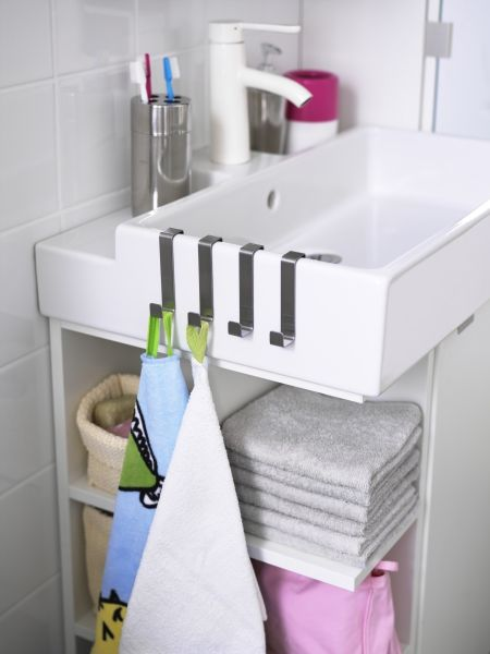 Make the most of a small bathroom and maximize space for - Maximize space in small bathroom ...