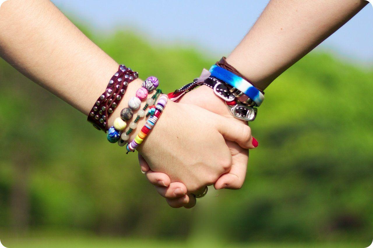 friendship2.jpg 1,280×852 pixels