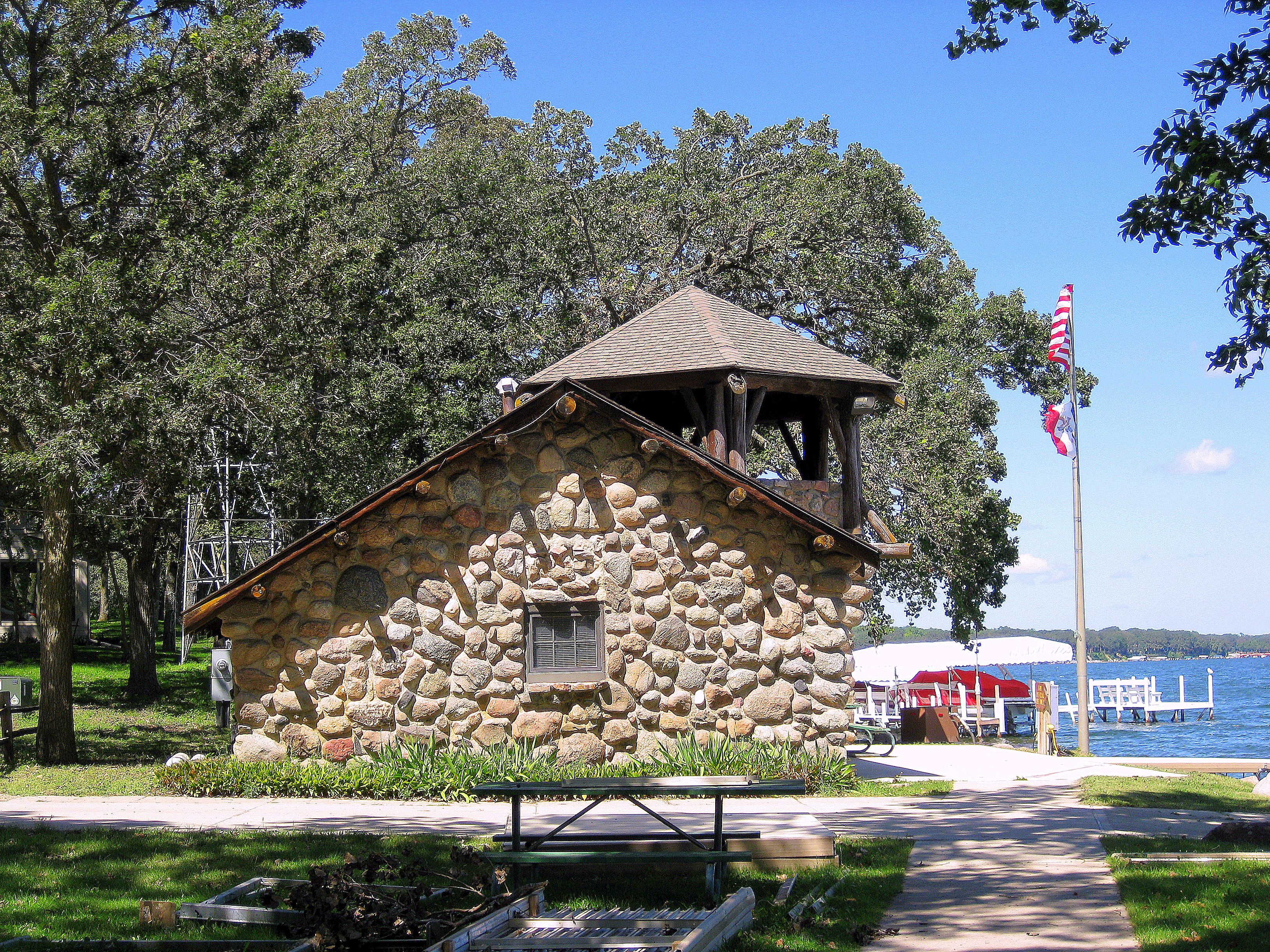 rentals pin rides cabins cabin iowa okoboji long defiance state park on summer days to estherville bike fort ft hot