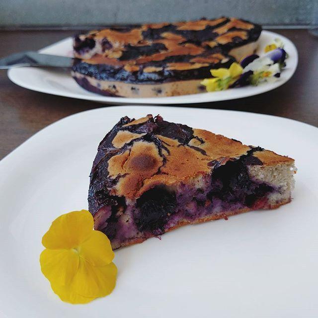 Monday remedy: Gluten-Free Marble Cake with Blueberries and Lime🍰 Find the #recipe in my blog, link in the bio Remedio para el lunes: Trata Mármol Sin Gluten con Arándanos azules y Lima🍰 Lee la #receta en mi #blog, enlace en la bio
