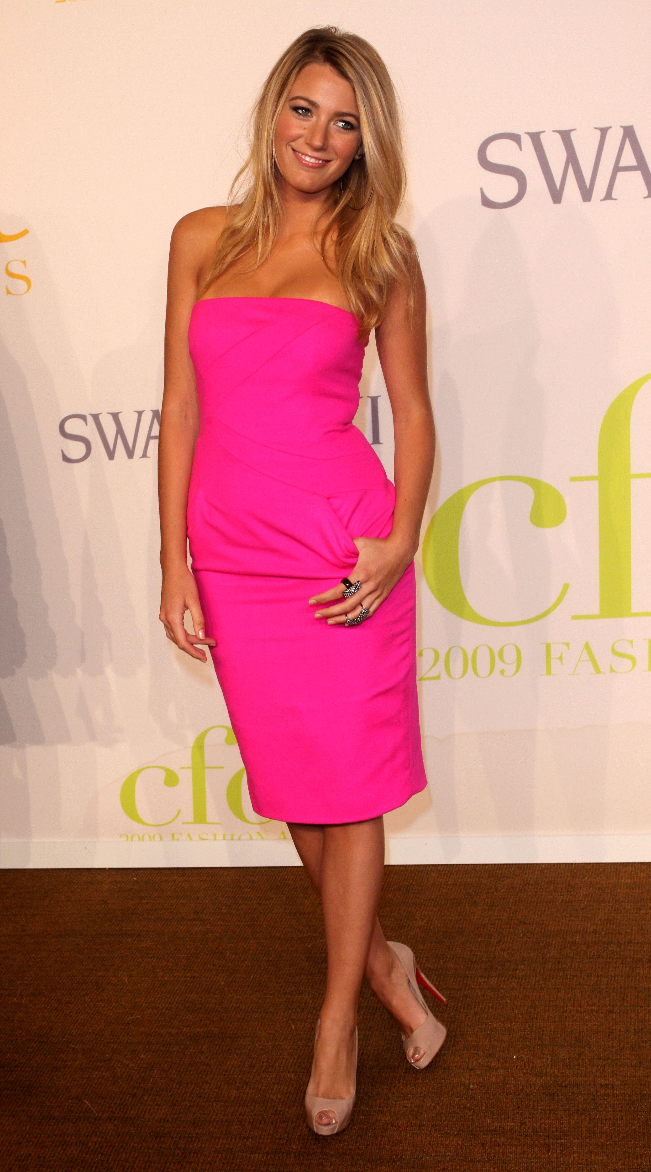 Hot pink dress and nude heels!   Stylin\'   Pinterest