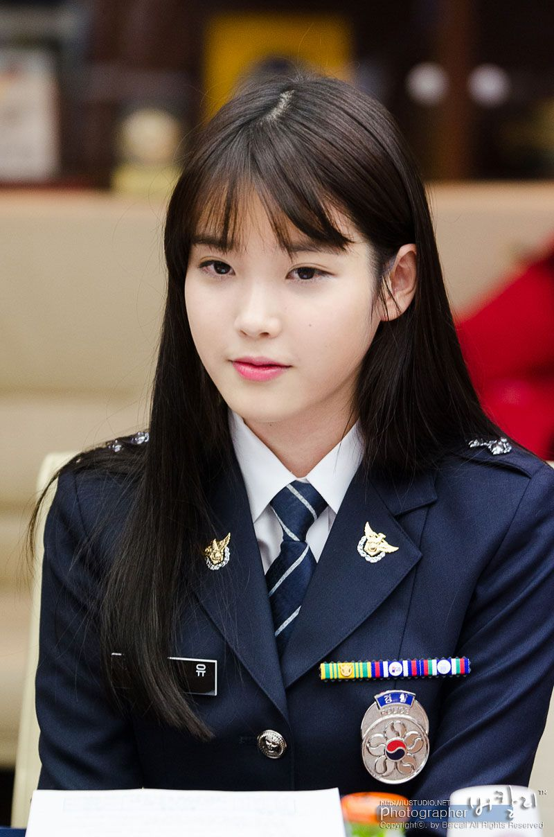 8 Gorgeous Photos Of IU The Senior Police Officer!   Military girl, Police women, Army girl