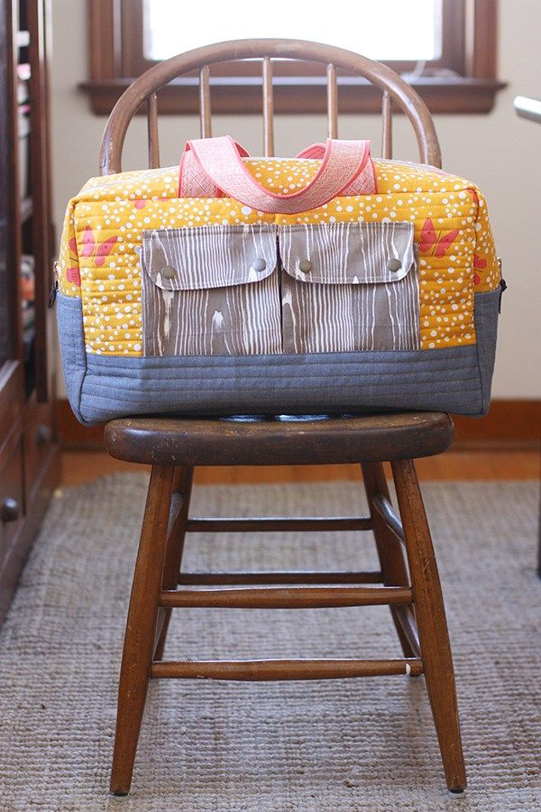 Sorry for forcing you to see yet another Cargo Duffle that I made.  I truly love each one I make and wouldn't do it if I didn't thoroughly enjoy it.  Another reason for more is that I was able to teach two Cargo Duffle classes at my local quilt shop (Olive Juice Quilts) recently!  And …