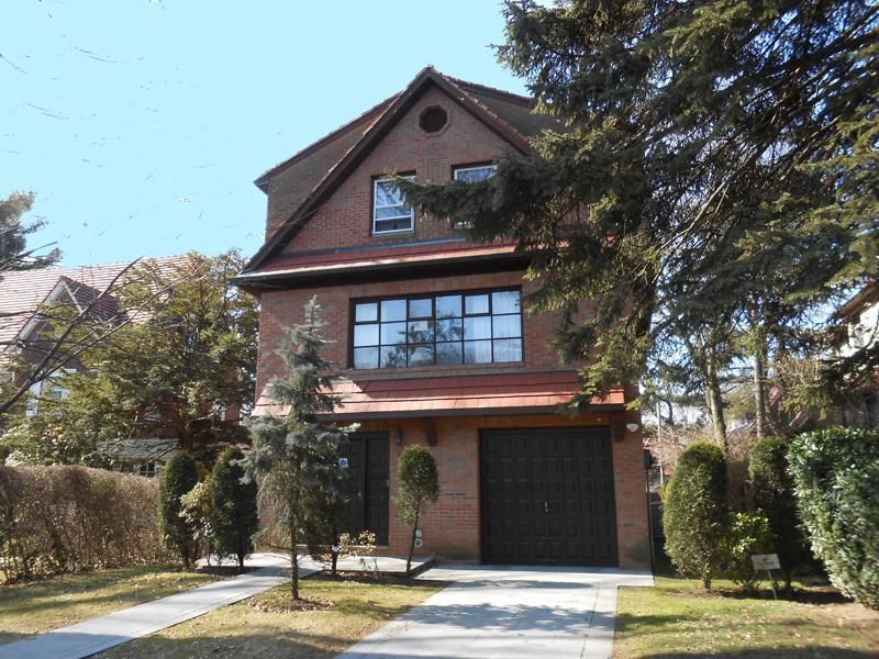 729d9be25d025bda4aa0c1e9124b6a85 - Forest Hills Gardens Real Estate Sotheby's