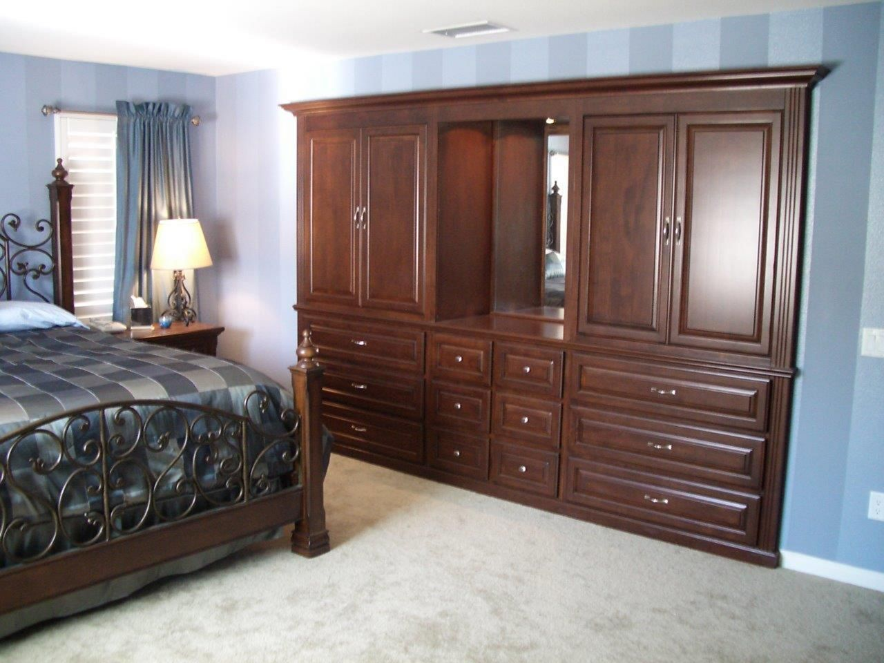 20 Small Bedroom With Cabinets That You Must Have ...