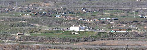 Headquarters of the Apostolic United Brethren compound in Bluffdale, Utah.jpg