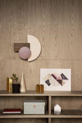 ... Bordeaux / Beige / Holzfarben Von Ferm Living Finden Sie Bei Made In  Design, Ihrem Online Shop Für Designermöbel, Leuchten Und Dekoration.