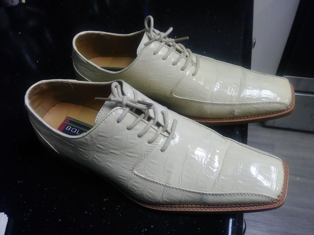 Mens Bolano Cream-colored Dress Shoes
