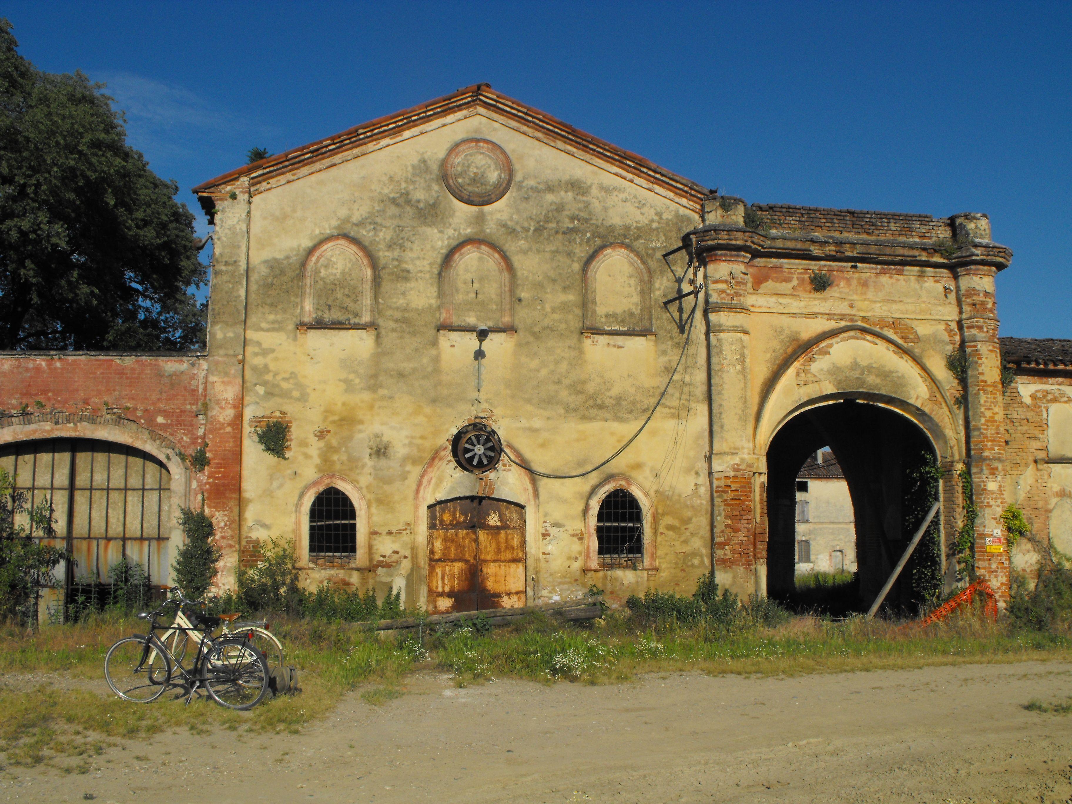 Entrata Cascina Alluvioni - 10 min by bike - 30 min by foot - 5 min by car