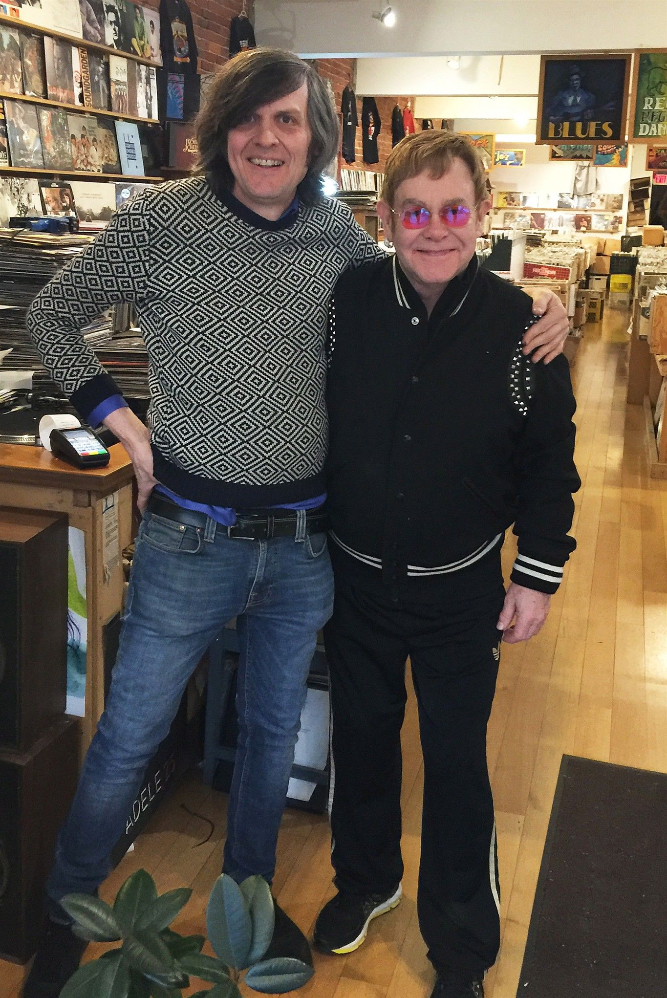 Elton John pops into a Vancouver record store to pick up some vinyl - 660 NEWS