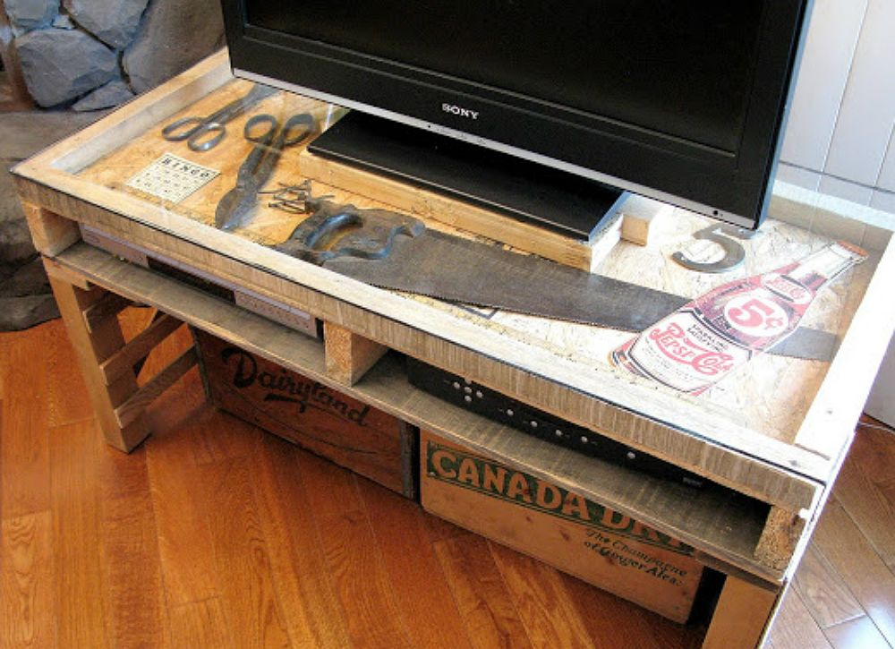 new TV stand made from a pallet - Funky Junk InteriorsFunky Junk Interiors