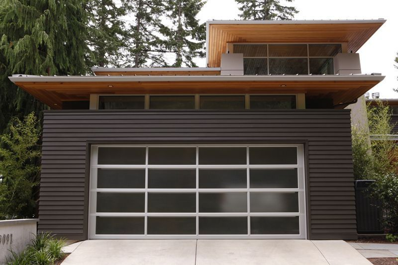 Modern garage door modern garage doors modern garage for Mid century modern garage