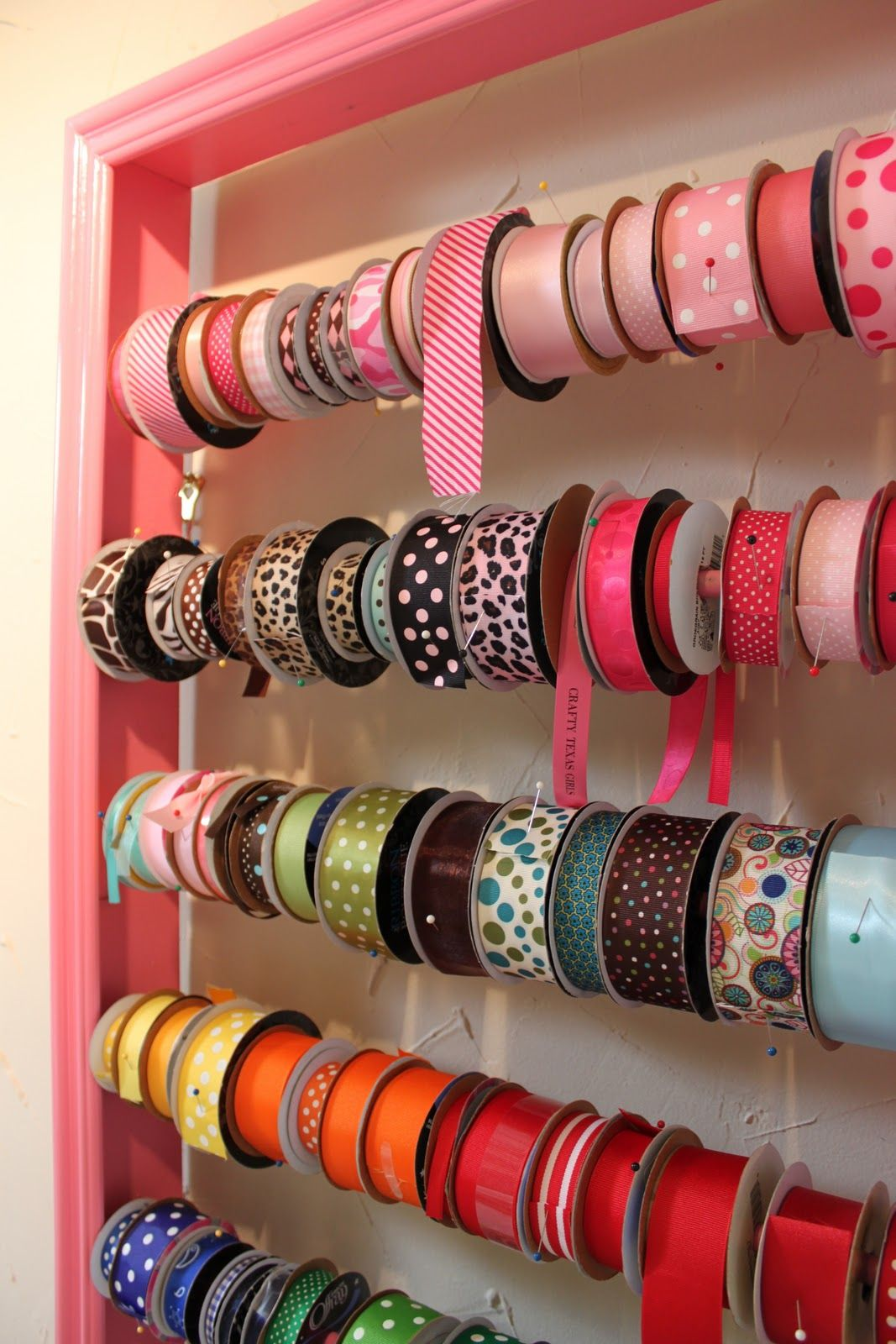 Customize diy ribbon holderlove how when you do things yourself customize diy ribbon holderlove how when you do things yourself you can customize the project to fit your needs and space d solutioingenieria Choice Image