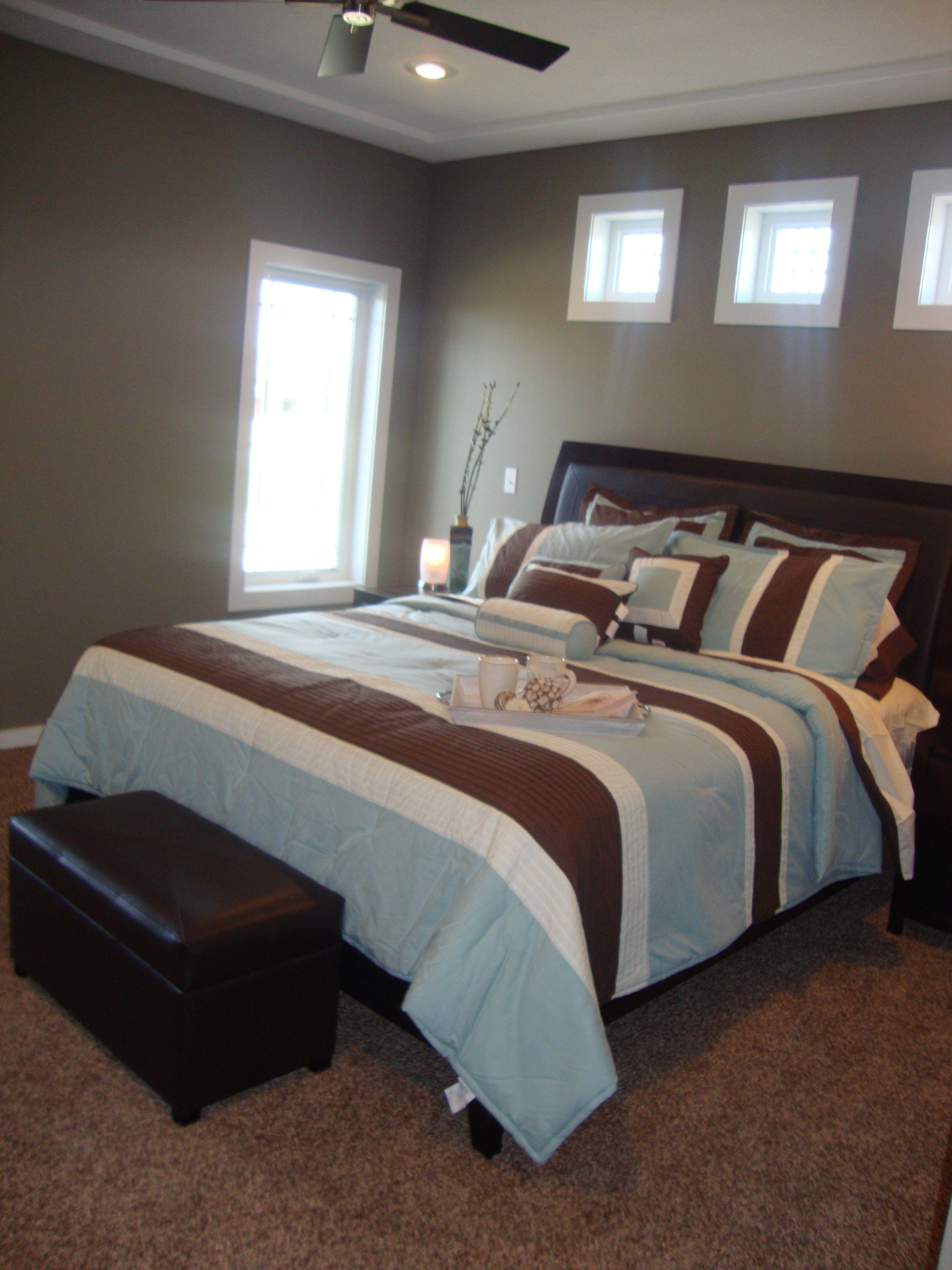 Best Three Windows Above Bed In Master Bedroom Decor Master 400 x 300
