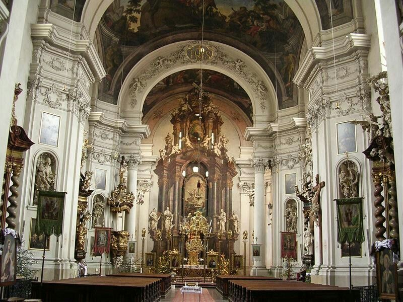Interno della chiesa di San Clemente a Praga Cathedral