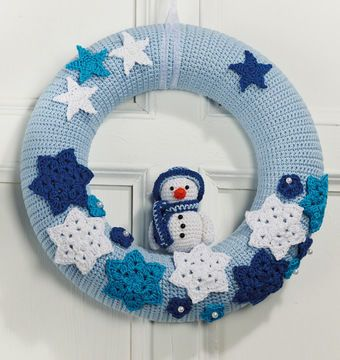 Photo of Winter magic door wreath – crochet pattern via Makerist.de
