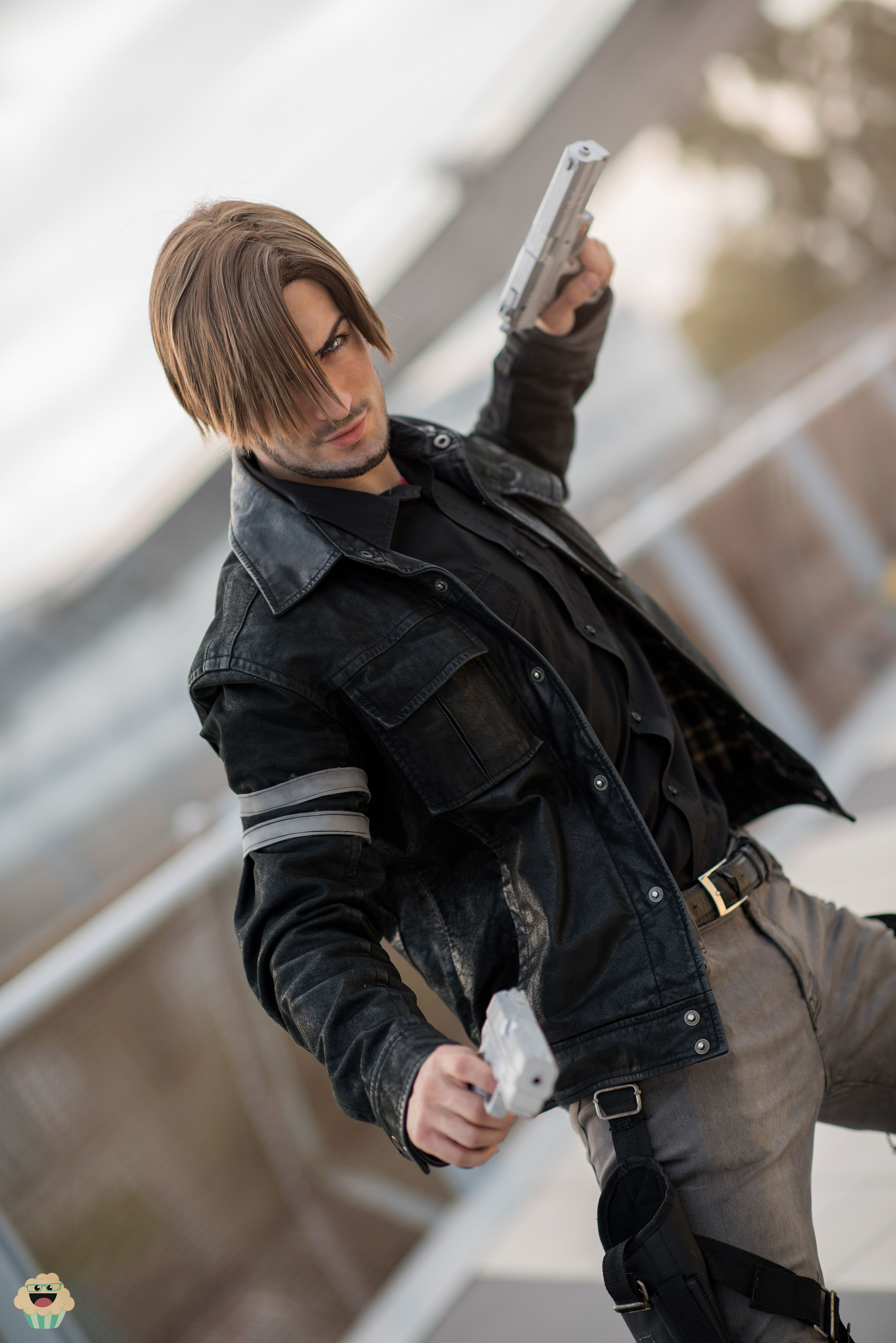 Leon Kennedy At Your Service Leon Kennedy Resident Evil Leon