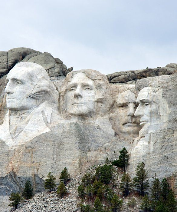 Mount Rushmore The Four Faces In South Dakotas Famous Mount - 10 must see landmarks in the us