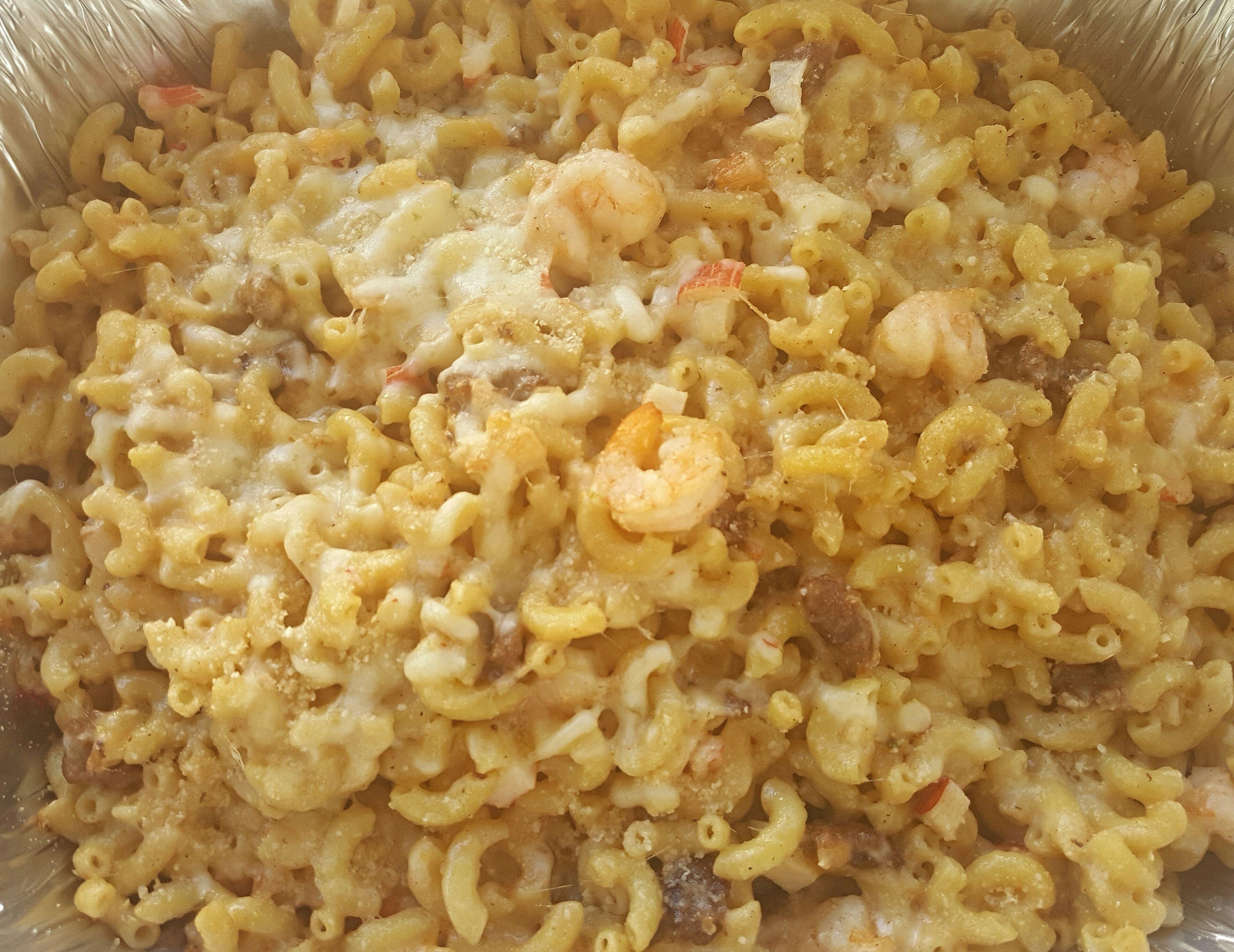 [Homemade] Cajun seafood and sausage mac-n-cheese