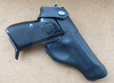 Beretta 70 & 71 custom pistol holster See my full range of custom hand made leather goods at www.makeitjones.co.uk