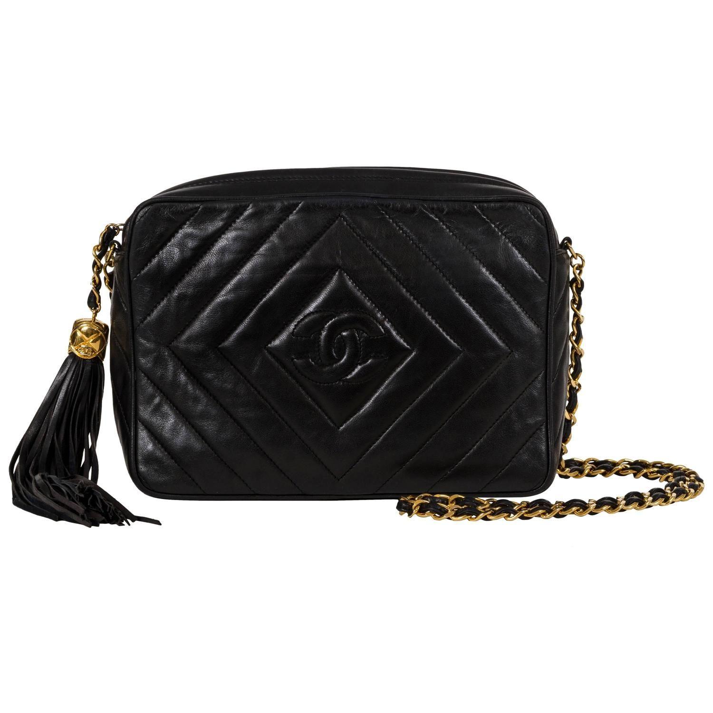 70e486cb6789 Chanel Black Chevron Cross Body Camera Bag 1990 | Classic fashion ...