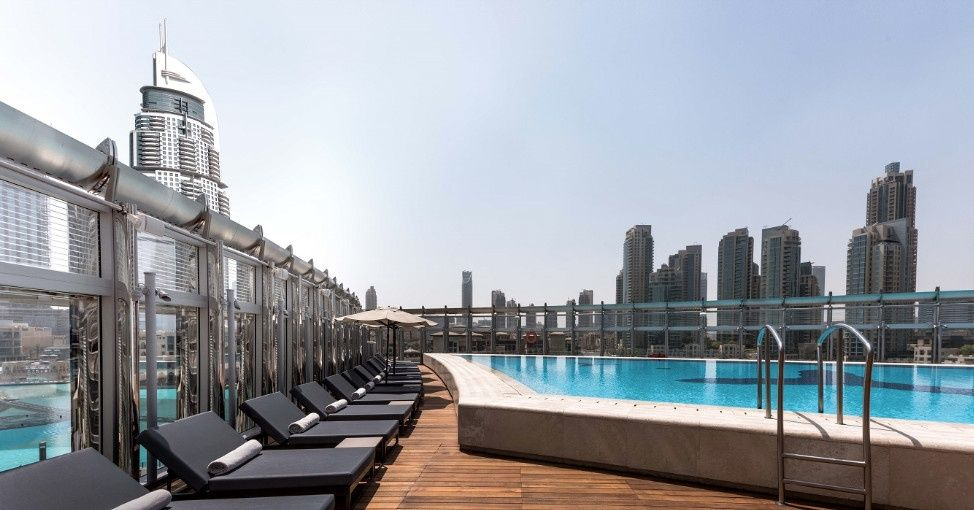 Our Favorite Pool Bars In Dubai Right Now Pool Bar Rooftop