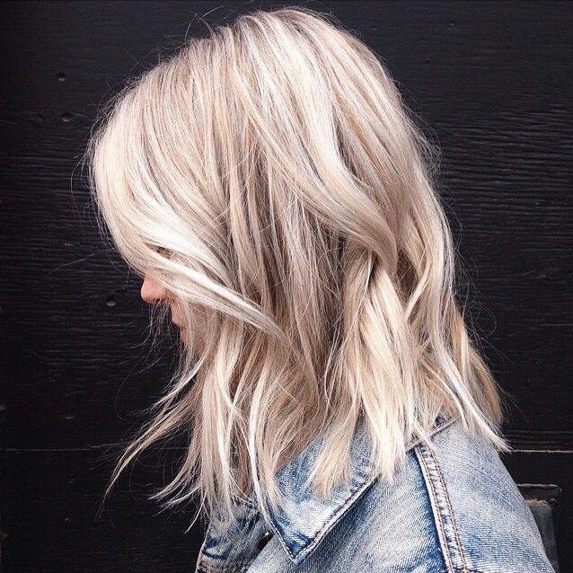 The Perfect Bob Medium Hair Blond Włosy Fryzury Blond