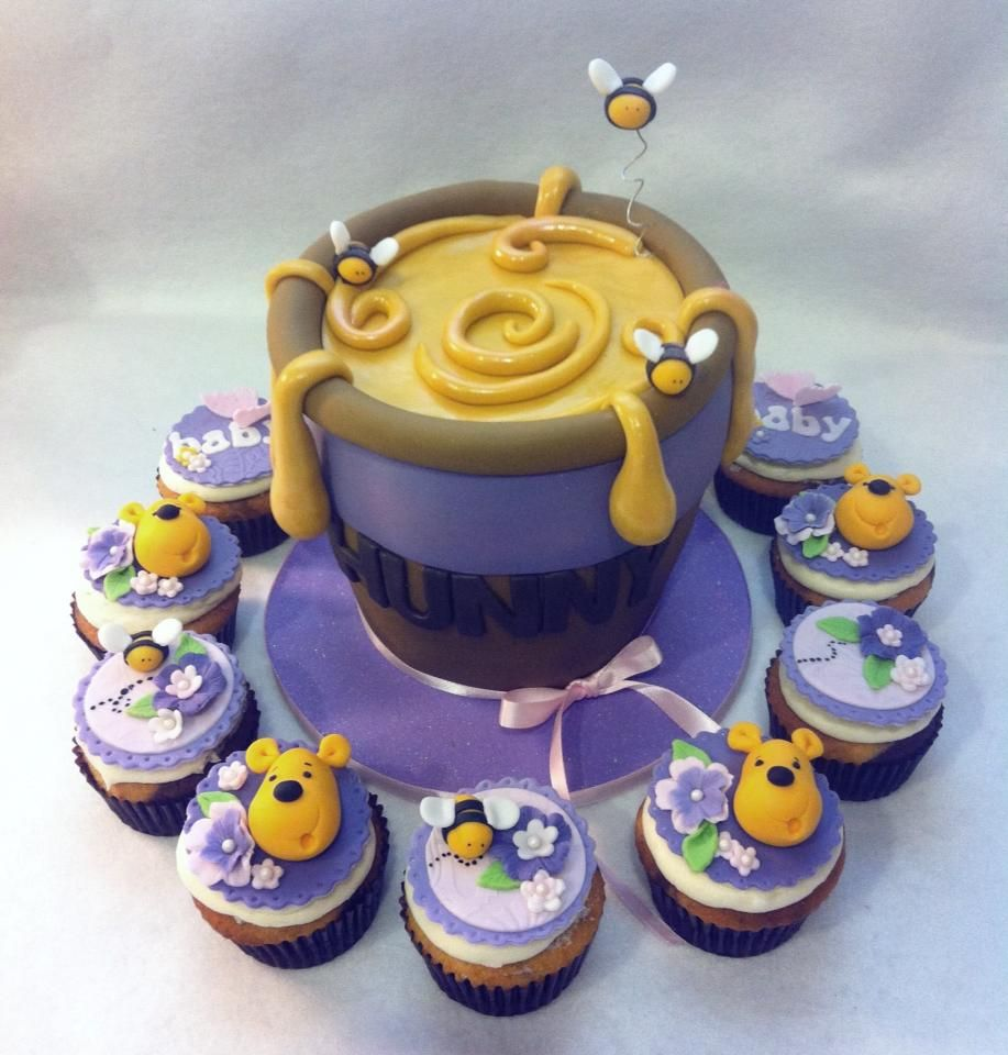 Winnie Pooh And Honey Cake & Cupcakes Love
