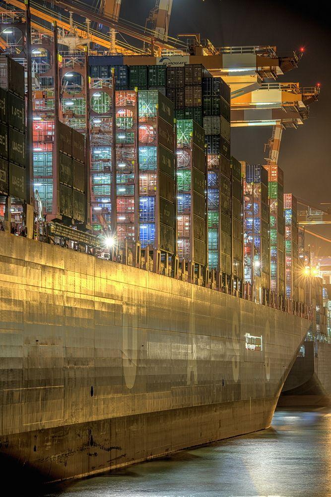 Die Farben der Nacht im Hafen …