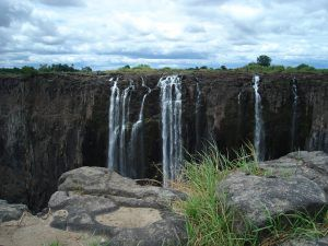 Victoria Falls in the dry season - cakeatvicfalls.com ...