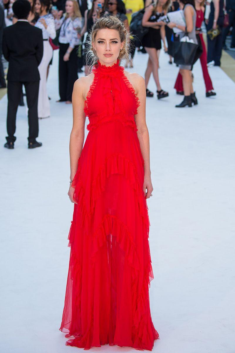 Amber Heard en Emilio Pucci La actriz Amber Heard en un look de vestido rojo largo de Emilio Pucci, para el estreno de 'Magic Mike XXL' en Londres.