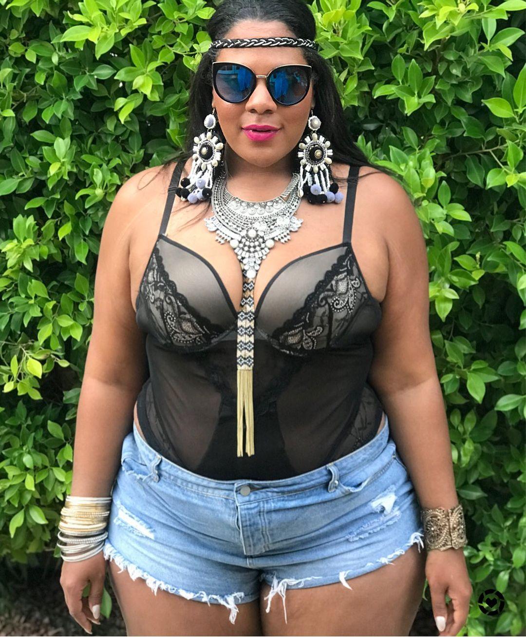 2e56e687d2 Plus Size Coachella Outfit Idea - Plus Size Summer Festival Ouffit ...