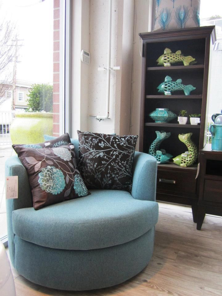 Best Canadian Made Van Gogh Cuddle Chair Available In 100 S Of 400 x 300