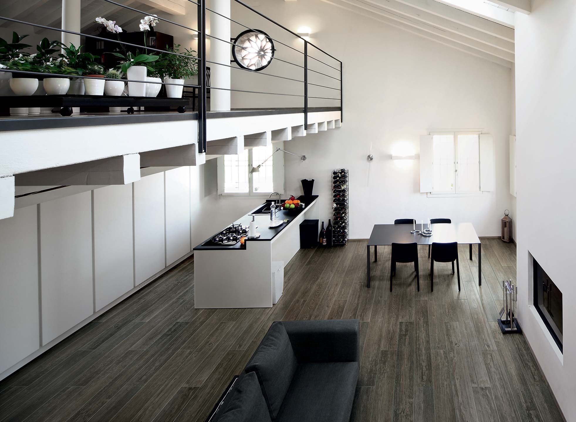 inspiration bois dans le salon avec du carrelage imitation. Black Bedroom Furniture Sets. Home Design Ideas