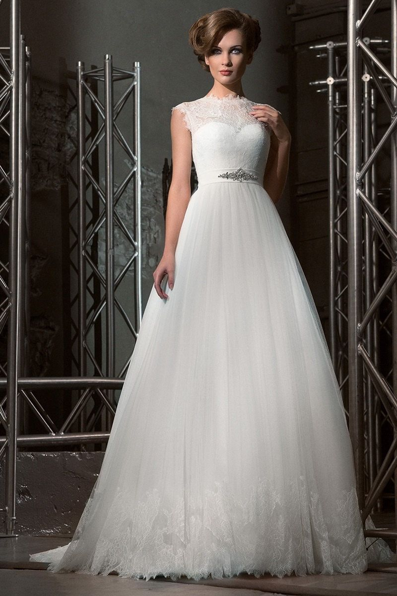 Romantic chantilly lace wedding by autumnsilkbridal on etsy modern
