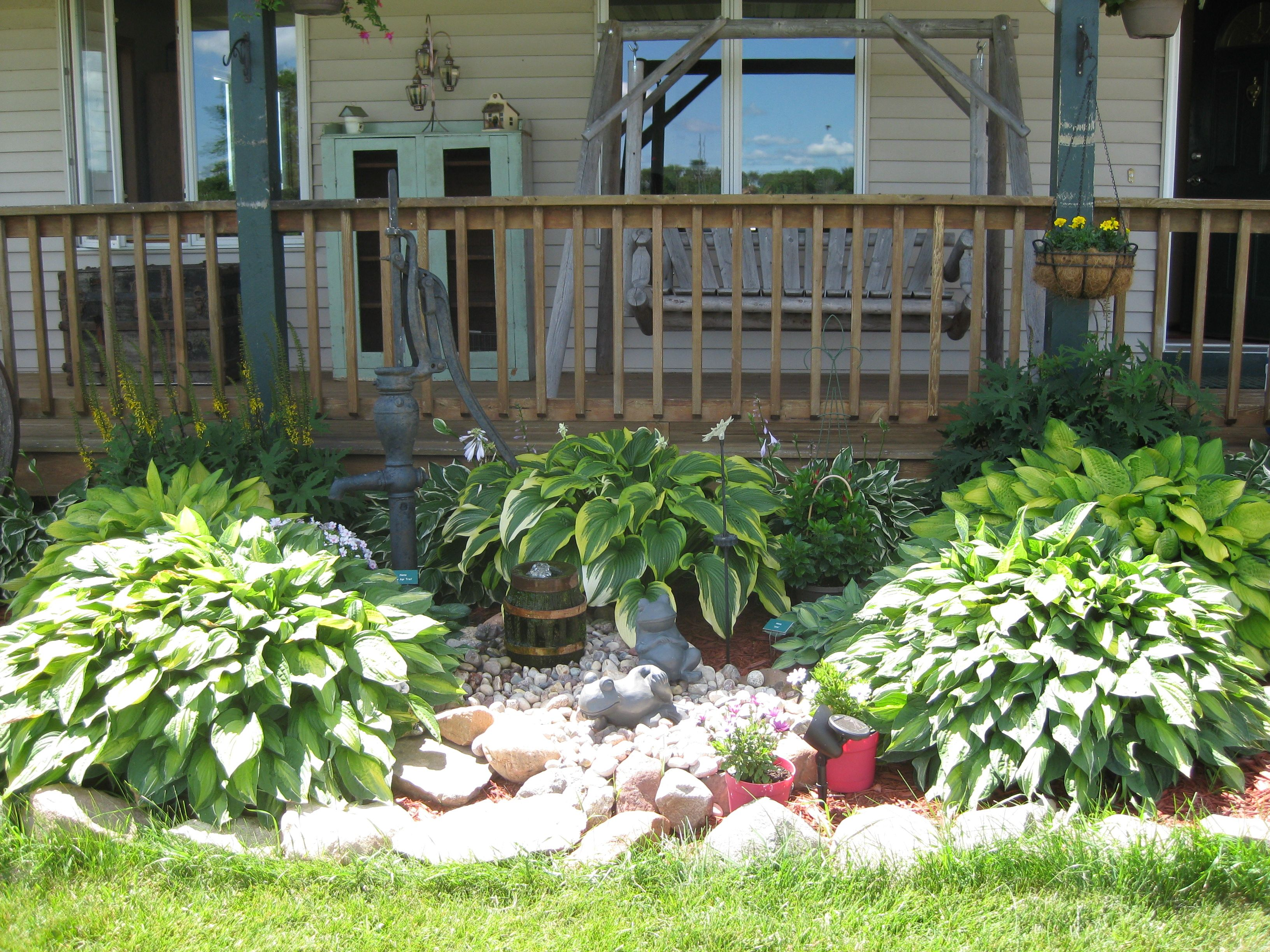 My front porch garden and water feature front yard for Front garden features