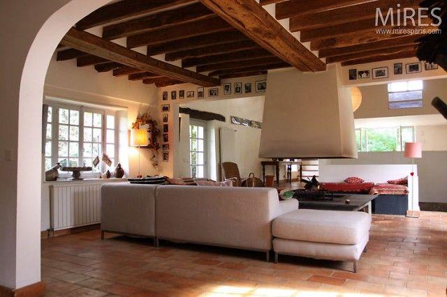 salon avec poutres apparentes maison briarde pinterest poutre apparente poutres et. Black Bedroom Furniture Sets. Home Design Ideas