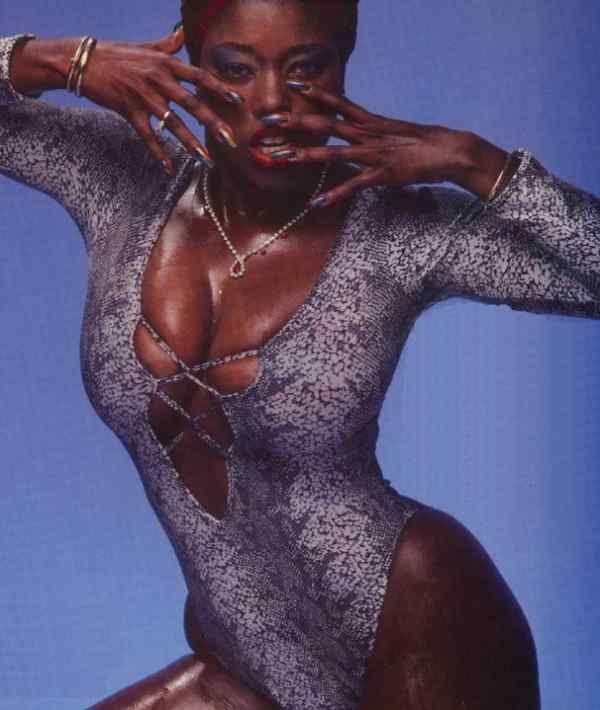 Xxl Ebony Women