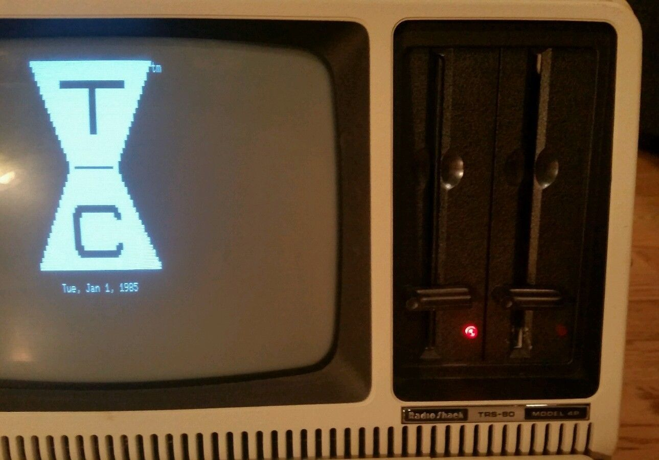 Radio Shack TRS-80 Model 4P Portable Computer Tandy Disk