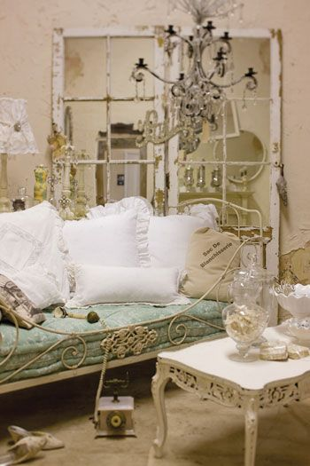 Thrift Stores Idaho Falls >> I So Like The Look Of Decorating With Vintage Items Found In