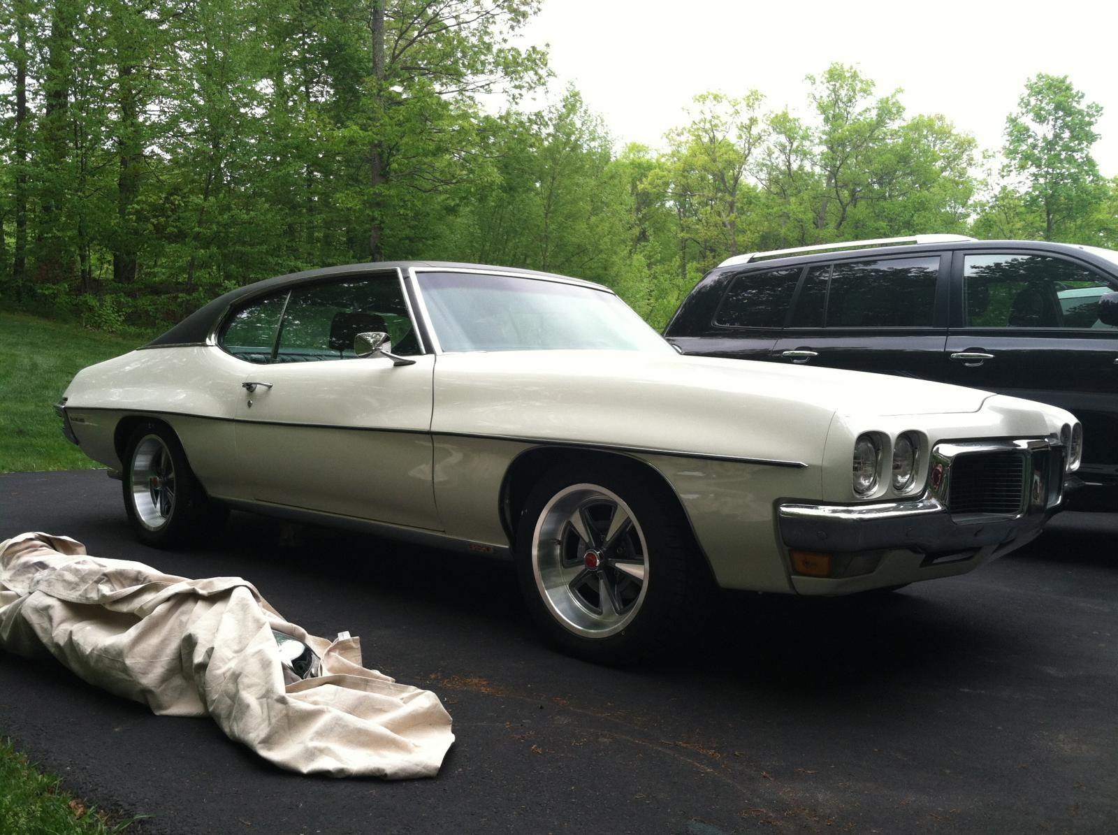 Pontiac rally ii aluminum 17x9 wheels